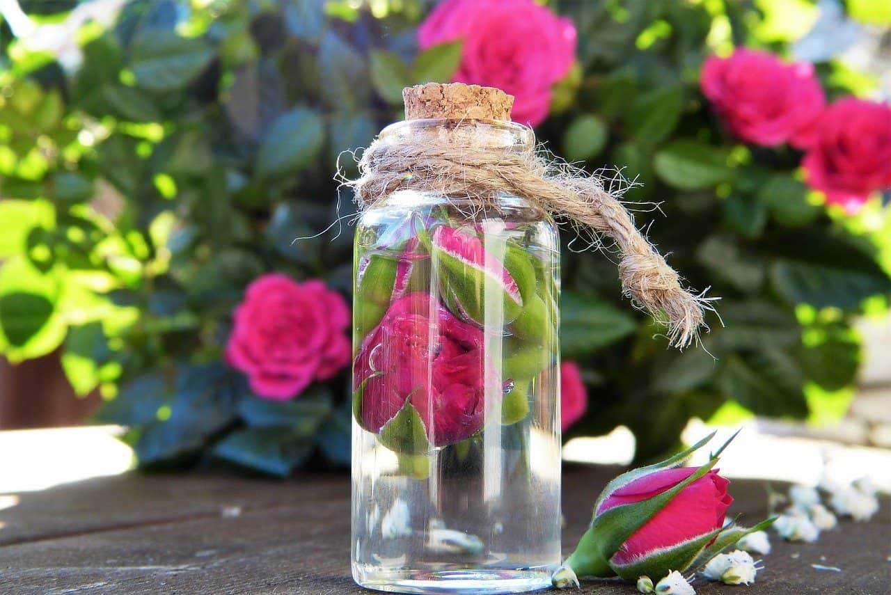 Une eau de rose naturelle