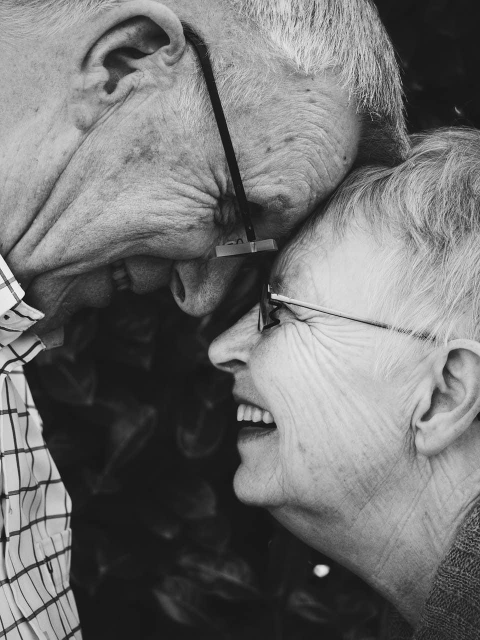 Deux seniors homme et femme
