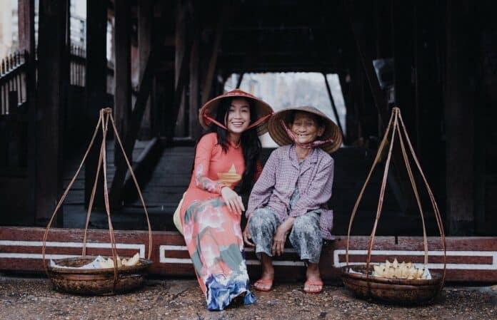 des vietnamiennes qui célèbrent la journée de la femme