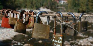 des mots d'amour en italien sur un cadena