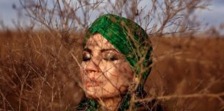 femme qui porte un turban